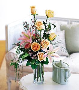 Konya yurtiçi ve yurtdışı çiçek siparişi  cam yada mika vazo içerisinde gül kazablanka