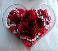 Konya ucuz çiçek gönder  mika kalp içerisinde 3 adet gül ve taslar