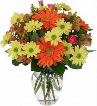 Konya çiçekçiler  vazo içerisinde karışık mevsim çiçekleri