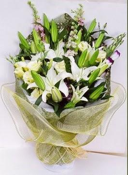Konya çiçek siparişi vermek  3 adet kazablankalardan görsel buket çiçeği