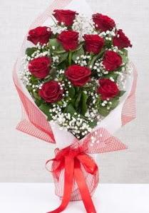 11 kırmızı gülden buket çiçeği  Konya çiçek siparişi sitesi