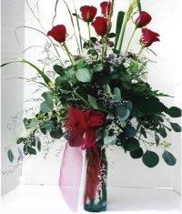 Konya çiçek gönderme sitemiz güvenlidir  7 adet gül özel bir tanzim