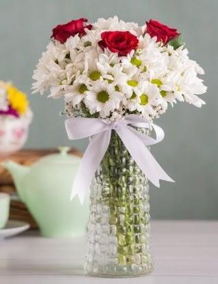Papatya Ve Güllerin Uyumu camda  Konya çiçek online çiçek siparişi