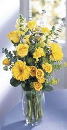 Konya çiçek , çiçekçi , çiçekçilik  sari güller ve gerbera cam yada mika vazo