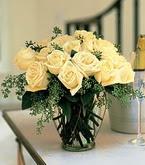 Konya çiçek gönderme sitemiz güvenlidir  11 adet sari gül mika yada cam vazo tanzim