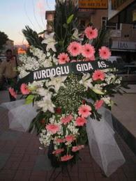 kazablanka,gerbera,sebboy ferforje  Konya İnternetten çiçek siparişi