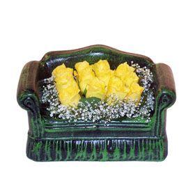 Seramik koltuk 12 sari gül   Konya online çiçekçi , çiçek siparişi