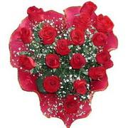 herseyi ile kirmizi buket   Konya internetten çiçek siparişi