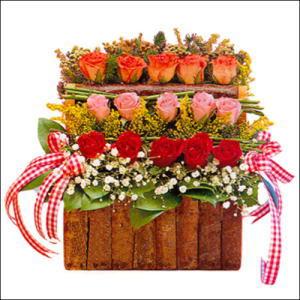sandikta 3 kat güllerden   Konya hediye çiçek yolla