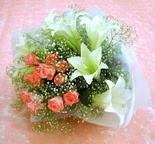 Konya çiçek servisi , çiçekçi adresleri  lilyum ve 7 adet gül buket