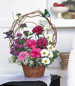 Konya hediye çiçek yolla  sepet içerisinde karanfil gerbera ve kir çiçekleri