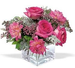 Konya hediye çiçek yolla  cam içerisinde 5 gül 7 gerbera çiçegi