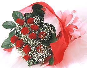 12 adet kirmizi gül buketi  Konya ucuz çiçek gönder