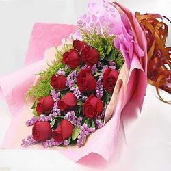 11 adet kirmizi gül ve kir çiçekleri  Konya çiçek yolla