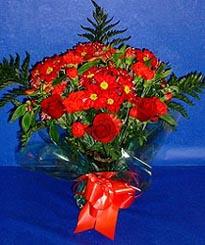 Konya çiçek yolla , çiçek gönder , çiçekçi   3 adet kirmizi gül ve kir çiçekleri buketi