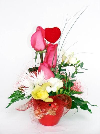 Konya online çiçekçi , çiçek siparişi  cam içerisinde 3 adet gül ve kir çiçekleri