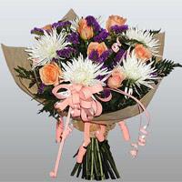 güller ve kir çiçekleri demeti   Konya çiçek gönderme