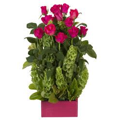 12 adet kirmizi gül aranjmani  Konya online çiçek gönderme sipariş