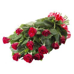 11 adet kirmizi gül buketi  Konya uluslararası çiçek gönderme