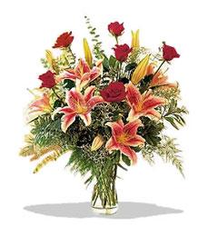 Konya çiçek siparişi vermek  Pembe Lilyum ve Gül