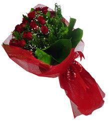 Konya çiçek online çiçek siparişi  10 adet kirmizi gül demeti