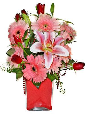 Konya ucuz çiçek gönder  karisik cam yada mika vazoda mevsim çiçekleri mevsim demeti