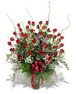 Konya çiçek gönderme sitemiz güvenlidir  33 adet kirmizi gül vazo içerisinde