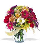 Konya yurtiçi ve yurtdışı çiçek siparişi  cam yada mika vazo içerisinde karisik kir çiçekleri