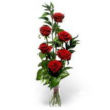 Konya çiçek gönderme sitemiz güvenlidir  cam yada mika vazo içerisinde 6 adet kirmizi gül