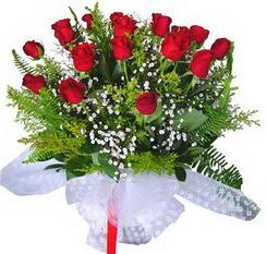 Konya güvenli kaliteli hızlı çiçek  12 adet kirmizi gül buketi esssiz görsellik