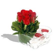 Mika kalp içerisinde 9 adet kirmizi gül  Konya çiçek siparişi vermek