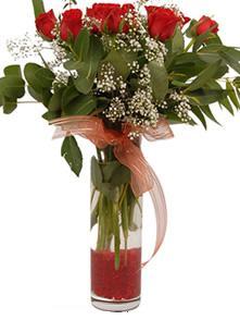 9 gül sevdiklerinize  Konya güvenli kaliteli hızlı çiçek
