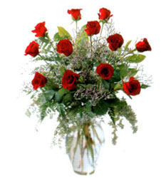 Vazo içerisinde 11 kirmizi gül  Konya çiçek satışı