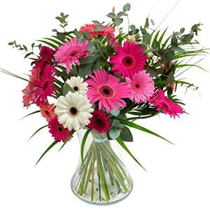 15 adet gerbera ve vazo çiçek tanzimi  Konya çiçek , çiçekçi , çiçekçilik