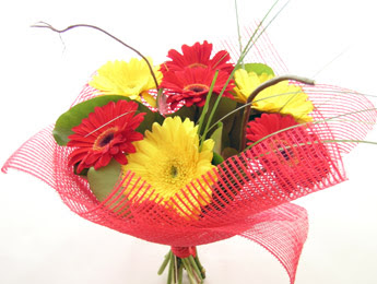 9 adet gerbera çiçeklerinden buket  Konya güvenli kaliteli hızlı çiçek