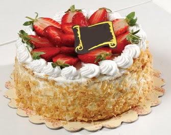 uygun pastaneler 4 ile 6 kisilik çilekli yas pasta lezzetli  Konya çiçek satışı