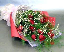 10 adet kirmizi gül çiçegi gönder  Konya internetten çiçek satışı
