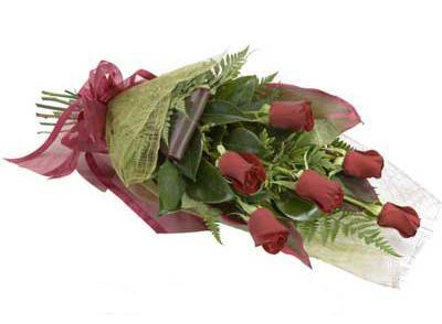 ucuz çiçek siparisi 6 adet kirmizi gül buket  Konya çiçek gönderme sitemiz güvenlidir