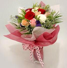 Karisik renklerde 11 adet gül buketi  Konya çiçek mağazası , çiçekçi adresleri
