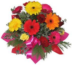 Karisik mevsim çiçeklerinden buket  Konya çiçekçiler