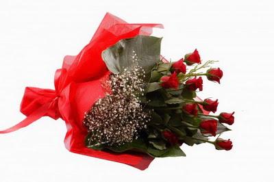 Konya çiçek gönderme sitemiz güvenlidir  11 adet kirmizi gül buketi çiçekçi