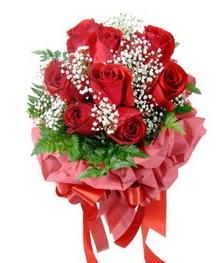 9 adet en kaliteli gülden kirmizi buket  Konya çiçek siparişi vermek