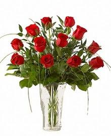 cam yada mika vazo içerisinde 9 kirmizi gül  Konya çiçek gönderme sitemiz güvenlidir