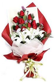 Konya çiçek yolla , çiçek gönder , çiçekçi   9 adet gül 2 adet kazablanka buketi