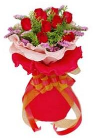 Konya hediye çiçek yolla  8 Adet kirmizi güllerden buket tanzimi
