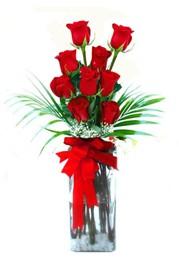 Konya kaliteli taze ve ucuz çiçekler  9 adet mika yada cam vazoda gül tanzimi