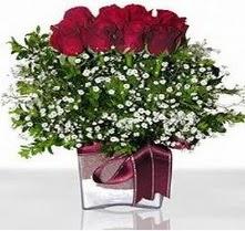 Konya çiçek yolla  mika yada cam vazo içerisinde 7 adet gül