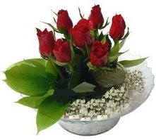 Konya çiçek yolla  cam yada mika içerisinde 5 adet kirmizi gül