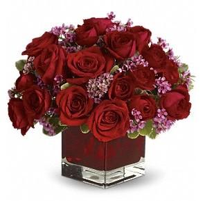 11 adet kırmızı gül vazosu  Konya çiçek gönderme