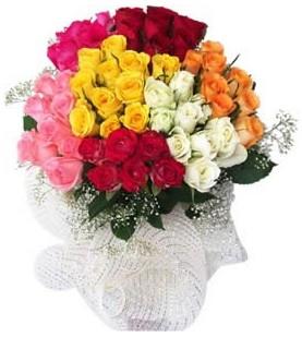 Konya kaliteli taze ve ucuz çiçekler  51 adet farklı renklerde gül buketi